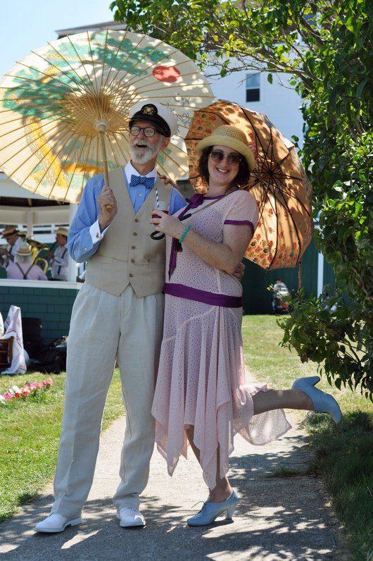 Rex and Lady Umbrellas Gatsby